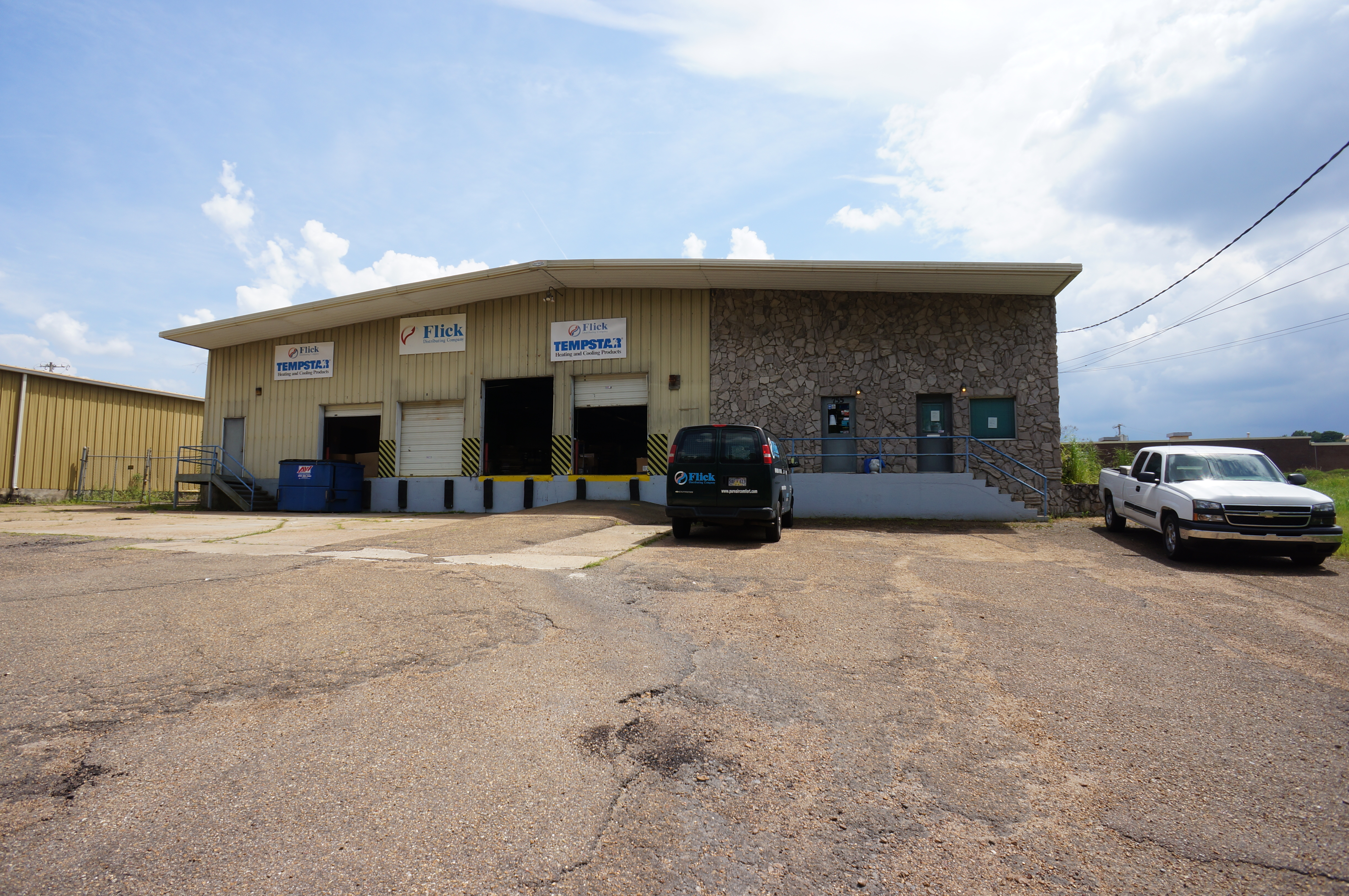 real estate office garage for space northwest arkansas img sale commercial sf